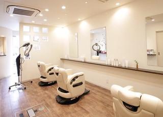 京都市の美容室のような理容室【ヘアアンドフェイス ルースト】で頭皮ケアを!